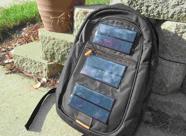 pannelli solari da viaggio zaino