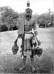 Dayak-headhunter-Borneo