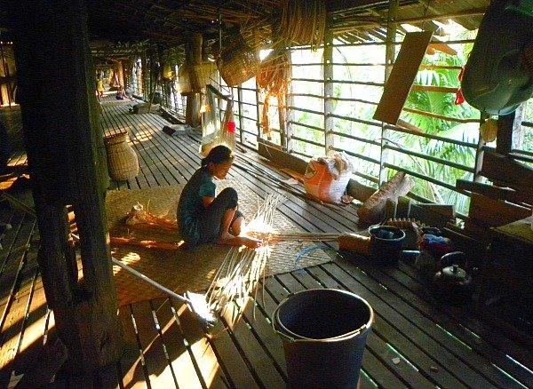 Sungai Uluk Palin longhouse donna
