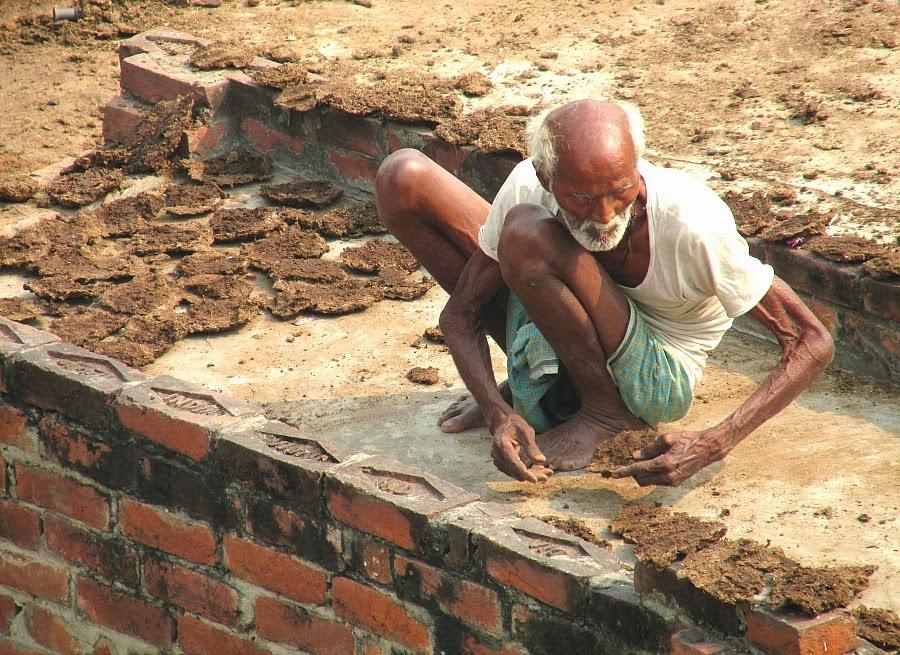 Varanasi in 10 scatti india viaggi e sostenibilit - Bagno sporco di cacca ...