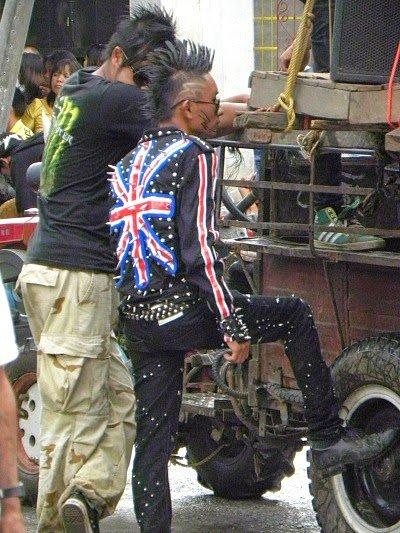 punk Birmania.jpg