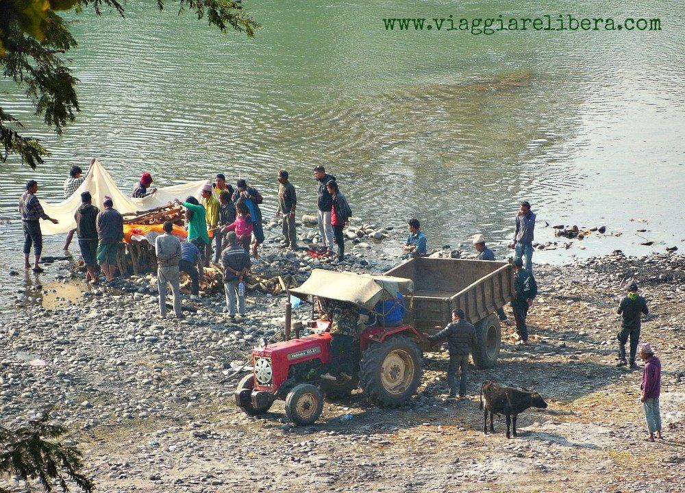 Cremazioni Nepal -Devghat
