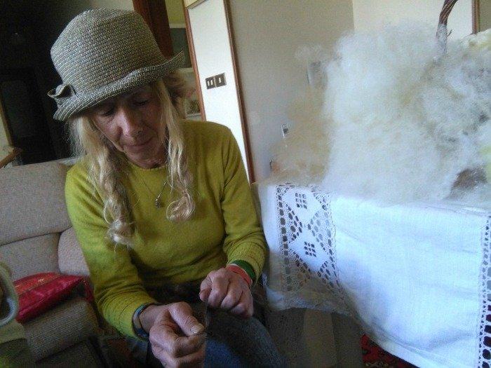 Anna e nuvole di lana