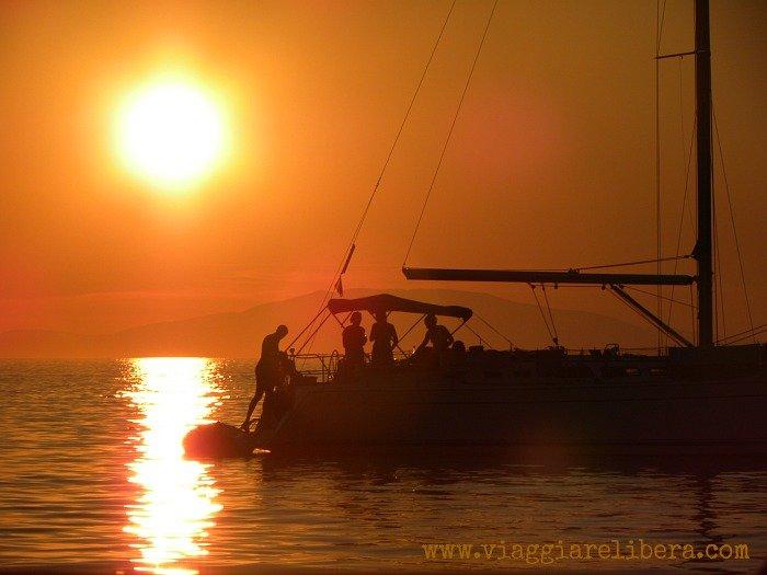 tramonto barca a vela Croazia