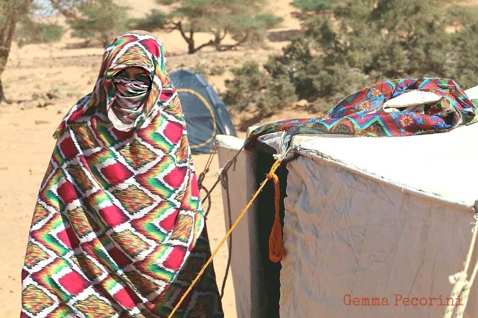 Donna nomade nel deserto
