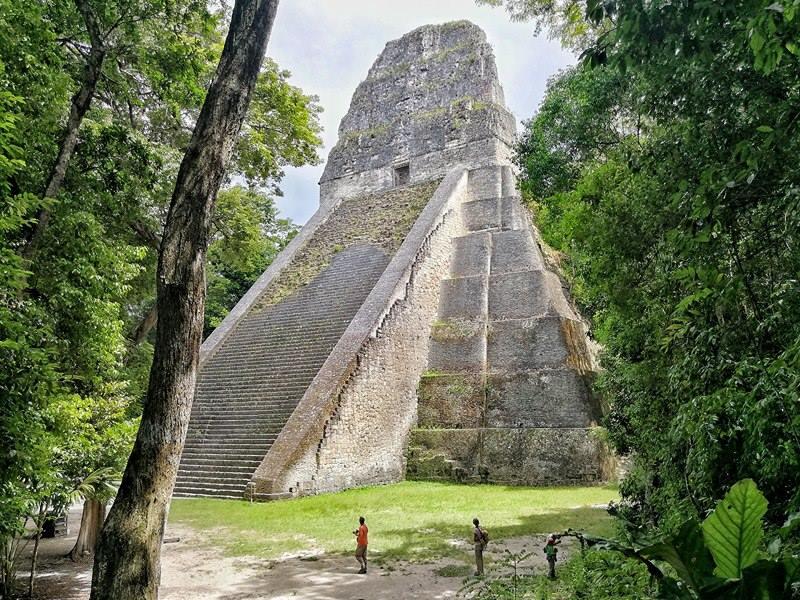 Piramidi Tikal Cosmovisione Maya