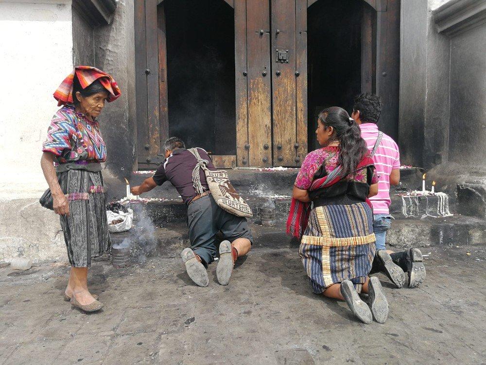 Sincretismo Guatemala-min