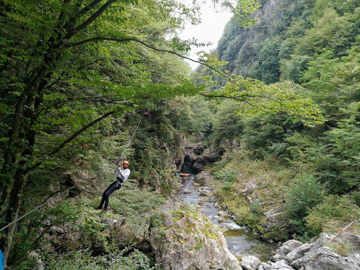Zip line al Canyon Park
