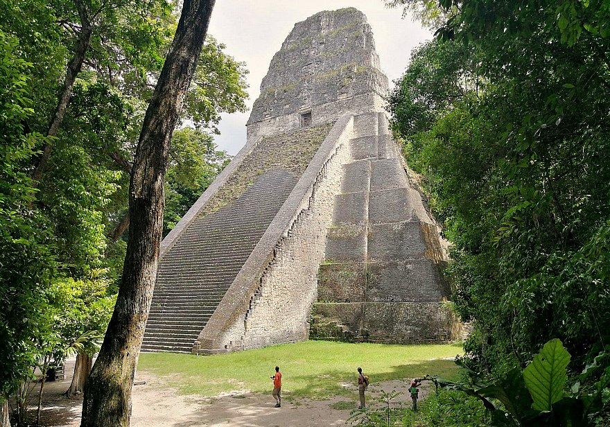 Piramide maya Guatemala