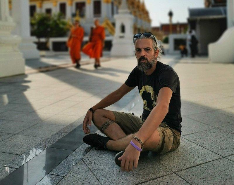 Andrea Cabassi viaggia con una malattia cronica