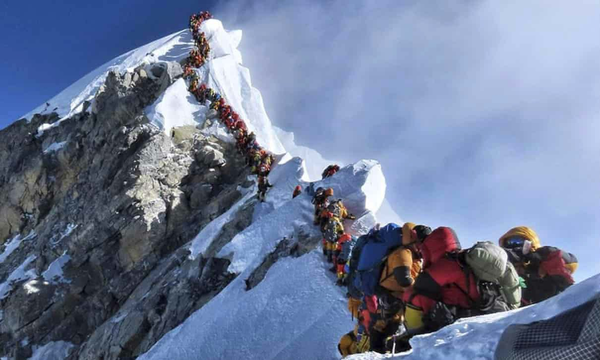 Overtourism Everest