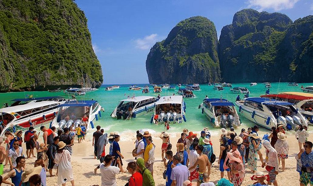 Overtourism Maya bay Thailandia