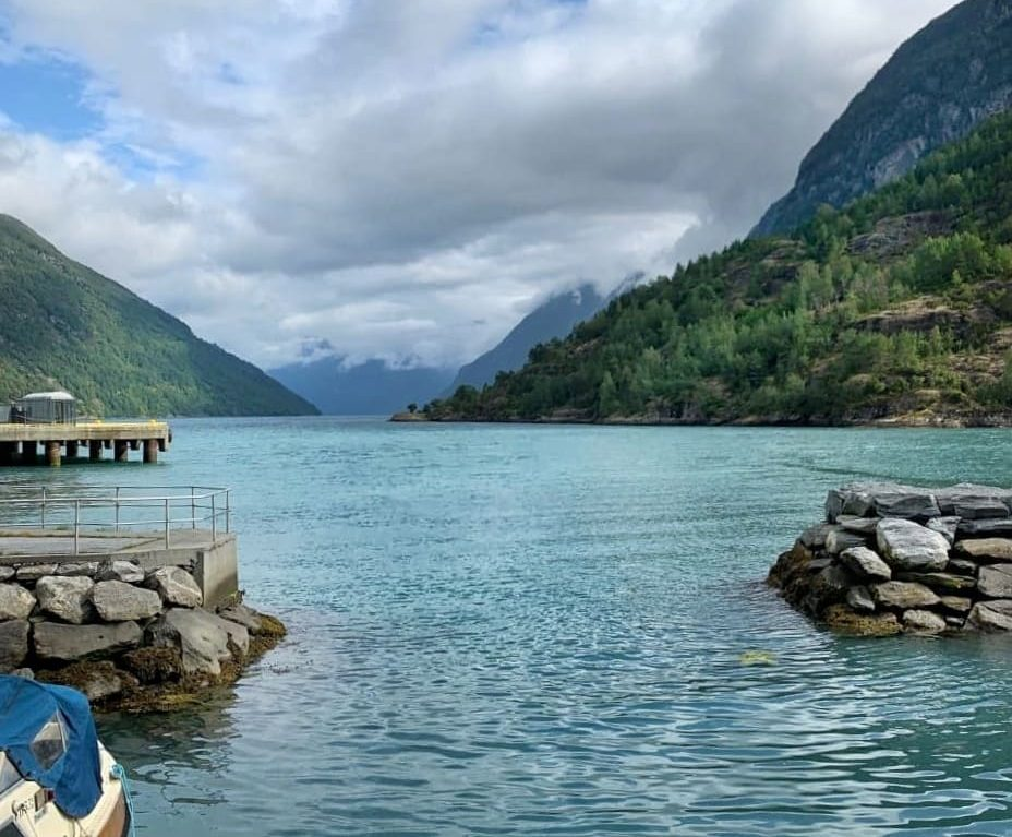 Vista sul fiordo di Hellesylt Norvegia