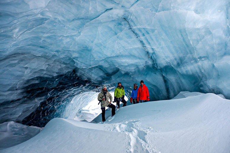 Grotta di ghiaccio Svalbard